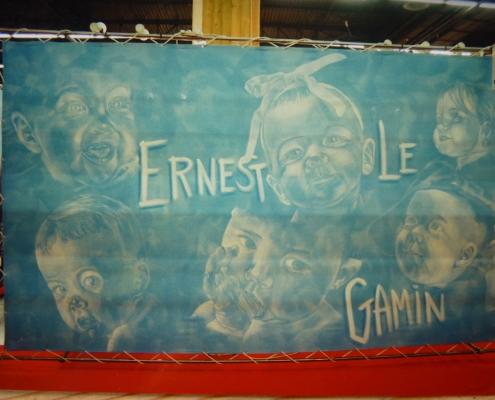 Toiles peintes en guise de parois pour le stand de salon de Ernest le Gamin / France - Alain Grand Peintre décorateur