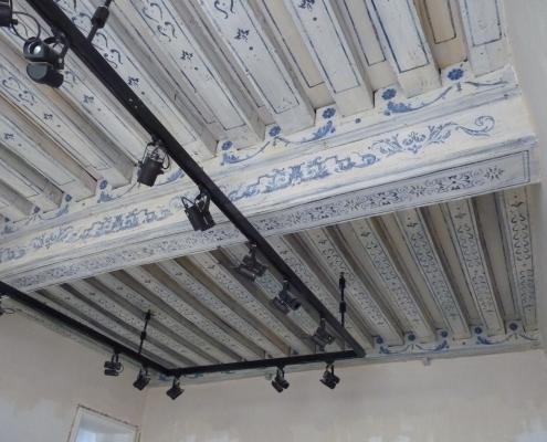 Réalisation d'un plafond à l'ancienne dans une officine de beauté parisienne / France - Alain Grand Peintre décorateur