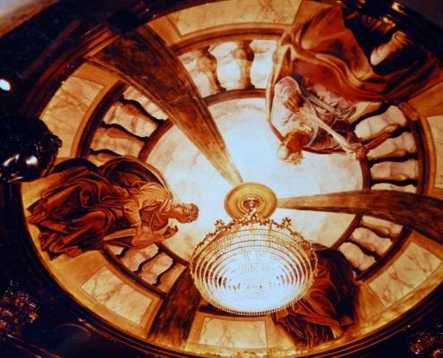 """Reproduction de Michel-Ange au plafond d'une salle de la discothèque """"Versailles Palace"""" à Tokyo / Japon - Alain Grand Peintre décorateur"""